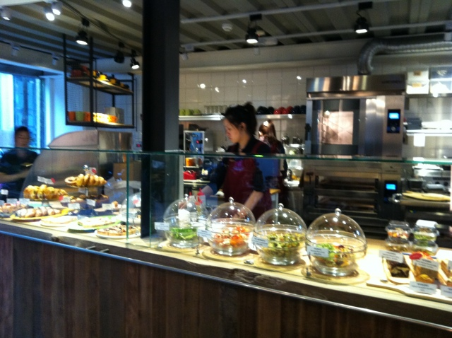 alan's cafe 014