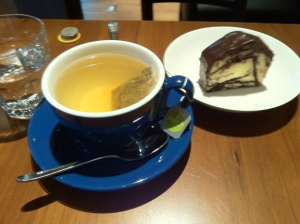 alan's cafe 030