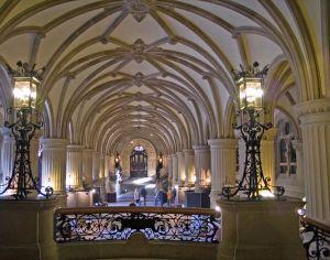 Rathaus-lobby-1