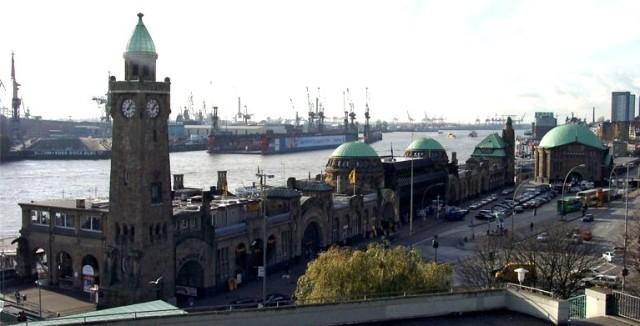 Hamburg_Landungsbruecken
